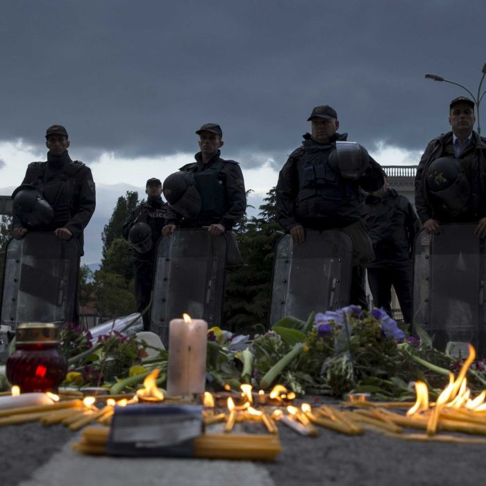 Candels_for_the_8_policeman_killed_in_Kumanovo_Mecedonia